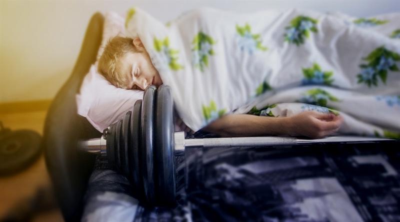 Dormir Una Hora Extra de Más Potencia tu Recuperación